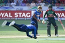 Angelo Mathews drops a catch with Lasith Malinga and Mushfiqur Rahim looking on, Sri Lanka v Bangladesh, Asia Cup 2018, Dubai, September 15, 2018