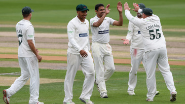 Mohammad Abbas strikes again for Leicestershire
