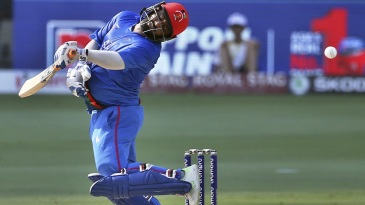 Mohammad Shahzad swerves away from a beamer
