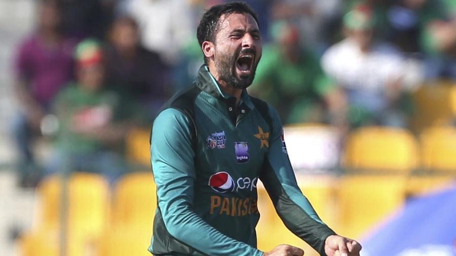 Shoaib Malik to lead as Umar Akmal, Junaid recalled