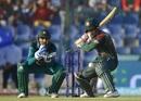 Sarfraz Ahmed looks on as Mushfiqur Rahim shapes up for a cut, Bangladesh v Pakistan, Asia Cup 2018, Abu Dhabi, September 26, 2018