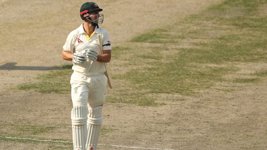 Shane Warne gives the Australian side a 'kick up the backside'