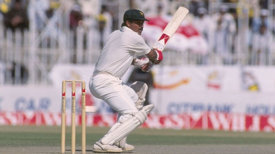 Ijaz Ahmed didn't get his 10,000 runs by following the coaching manual