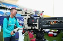 Peter Siddle preferred a lensview of the action, Pakistan v Australia, 2nd Test, Abu Dhabi, 2nd day, October 17, 2018
