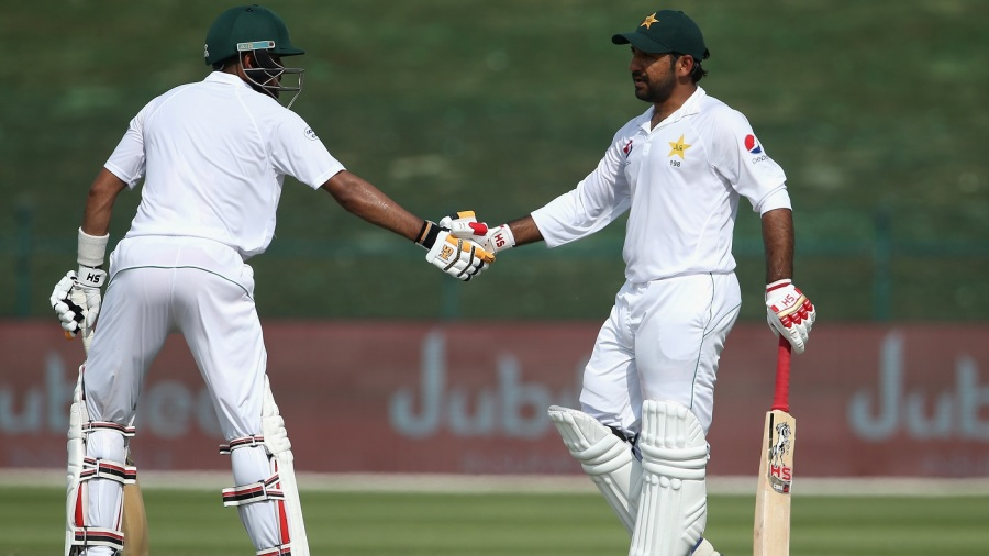 Babar Azam congratulates Sarfraz Ahmed on his second fifty of the Test