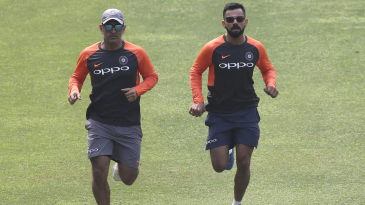 MS Dhoni and Virat Kohli train ahead of the first ODI against West Indies