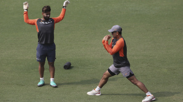 MS Dhoni and Rishabh Pant train ahead of the first ODI against West Indies