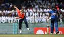 Sam Curran bowls during the fifth ODI, Sri Lanka v England, 5th ODI, Colombo, October 23 2018