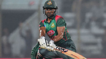Imrul Kayes fell 10 short of a second successive century