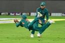 Shadab Khan takes a screamer, Pakistan v Australia, 2nd ODI, Dubai, October 26, 2018