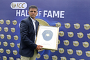 Rahul Dravid receiving his ICC Hall of Fame cap, Thiruvananthapuram, November 1, 2018