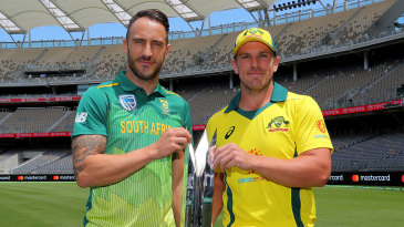Faf du Plessis and Aaron Finch with the series trophy