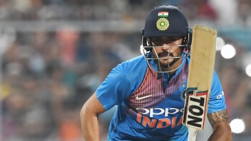 Manish Pandey built an important stand with Dinesh Karthik