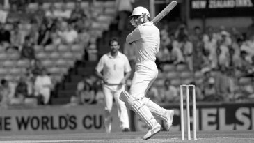 John Wright wished he could bat like Viv