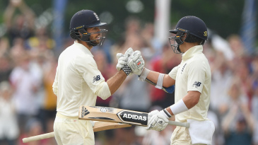 Ben Foakes brought up his maiden Test fifty
