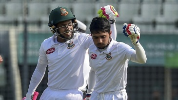 Mushfiqur Rahim congratulates Mominul Haque on bringing up his hundred