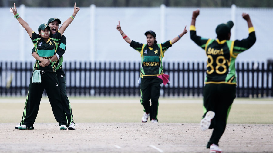 The starfish enterprise: A Shahid Afridi fan, Nida Dar started copying his celebration style in her own games