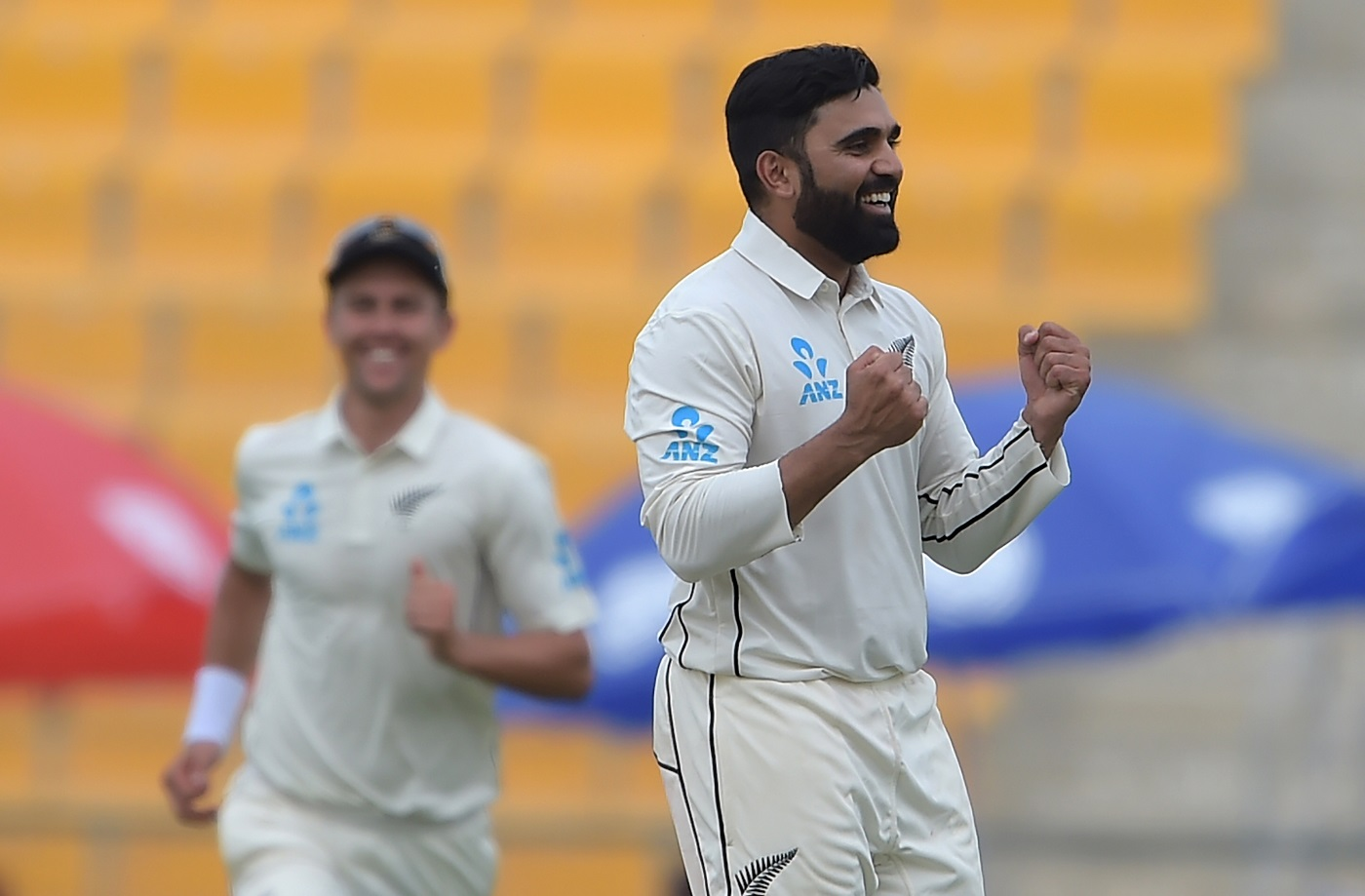 Pakistan suffer another fourth-innings collapse, New Zealand win first Test by four runs