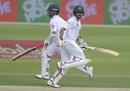Yasir Shah and Babar Azam run between the wickets, Pakistan v New Zealand, 1st Test, Abu Dhabi, 2nd day, November 17, 2018