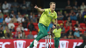 Chris Morris cleaned up Chris Lynn with a superb yorker