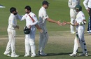 The players shake hands after the Test, Pakistan v New Zealand, 1st Test, Abu Dhabi, 4th day, November 19, 2018