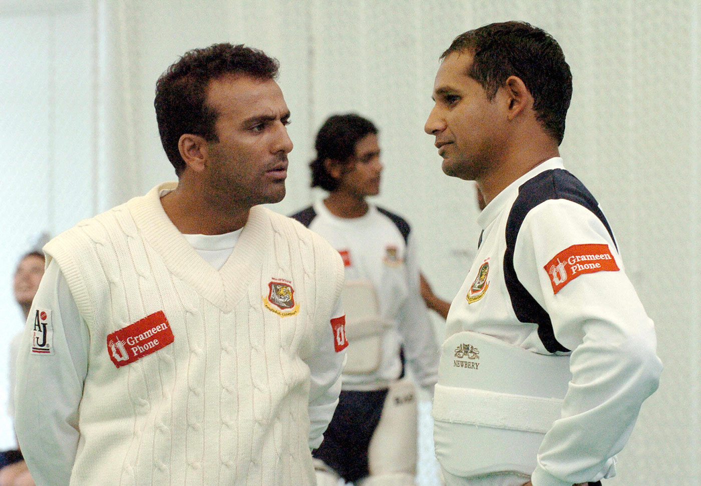 Chalk and cheese: Omar with Habibul Bashar, one of the players whose polar opposite he was in many ways