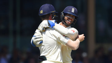 Ben Foakes celebrates with Keaton Jennings after another blinder at short leg
