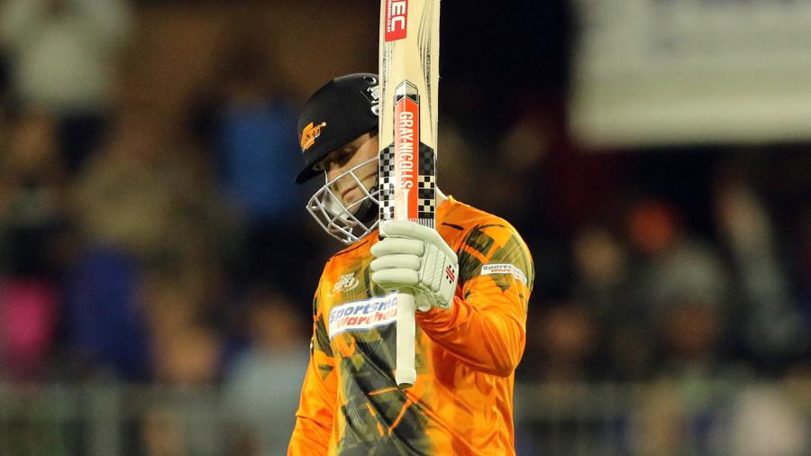 Dala, Smuts lift Bay Giants to second | Cricket 282774