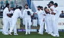 Mohammad Hafeez gets a guard of honour, Pakistan v New Zealand, 3rd Test, Abu Dhabi, 5th day, December 7, 2018