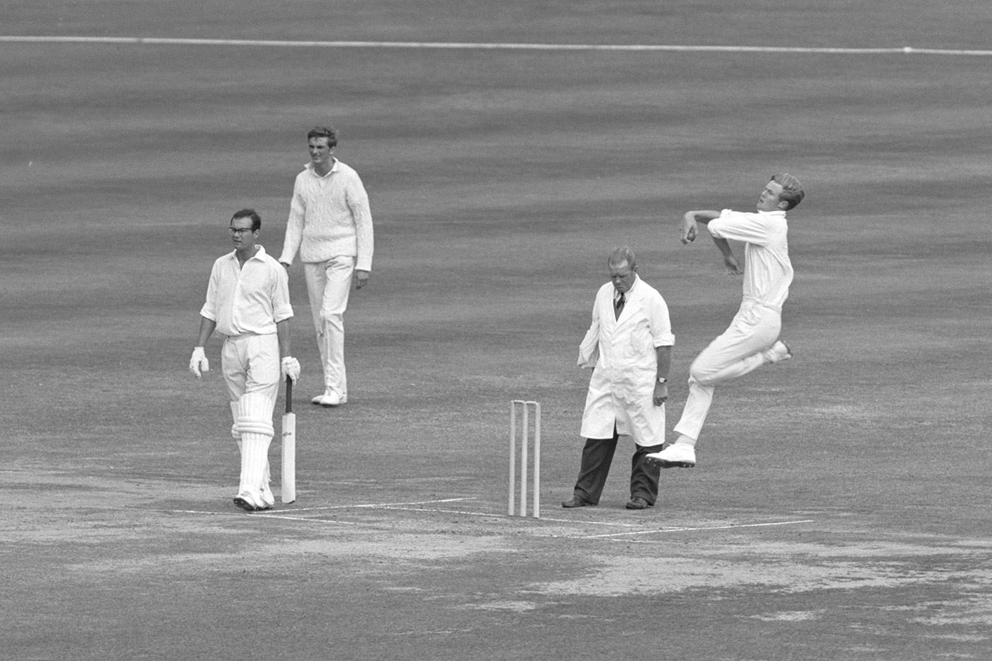 Rather a tall drink of water: bowling in the 1966 County Championship against Middlesex