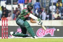 Shakib Al Hasan attacked after settling down, Bangladesh v West Indies, 2nd ODI, Dhaka, December 11, 2018