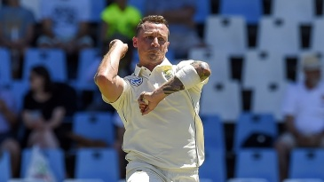 Dale Steyn about to let one fly
