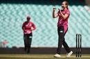 Lauren Cheatle celebrates a wicket, Sydney Sixers Women v Melbourne Renegades Women, WBBL, Sydney, December 27, 2018
