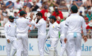 Mohammad Amir helped clean up the tail, South Africa v Pakistan, 2nd Test, Cape Town, 3rd day, January 5, 2018