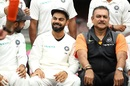 Virat Kohli and Ravi Shastri share a light moment before team photos, Australia v India, 4th Test, Sydney, 5th day, January 7, 2019