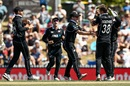 New Zealand's players get together with Tim Southee to celebrate a wicket, New Zealand v Sri Lanka, 3rd ODI, Nelson, January 8, 2019