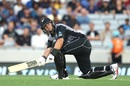 Ross Taylor plays a scoop, New Zealand v Sri Lanka, Only T20I, Auckland, January 11, 2019