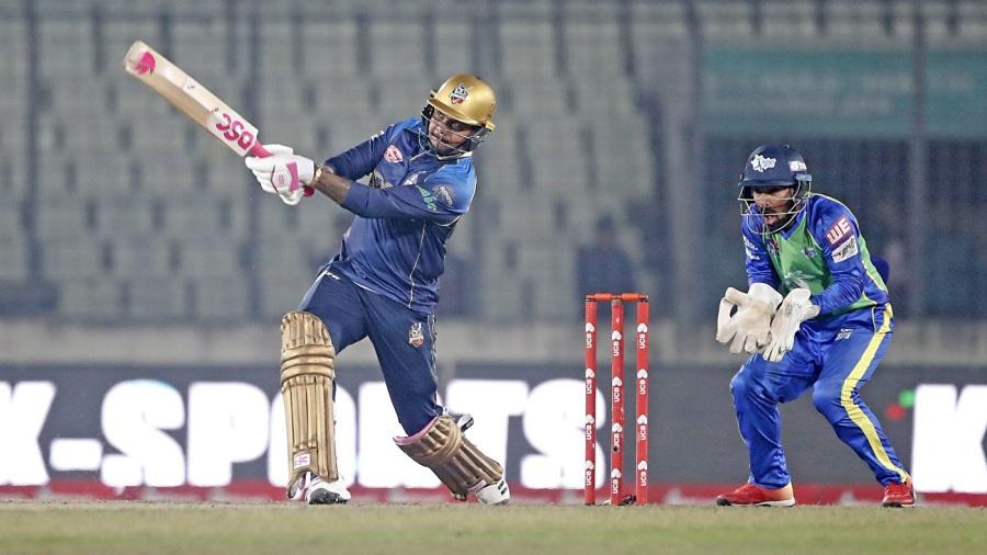 Sunil Narine goes big