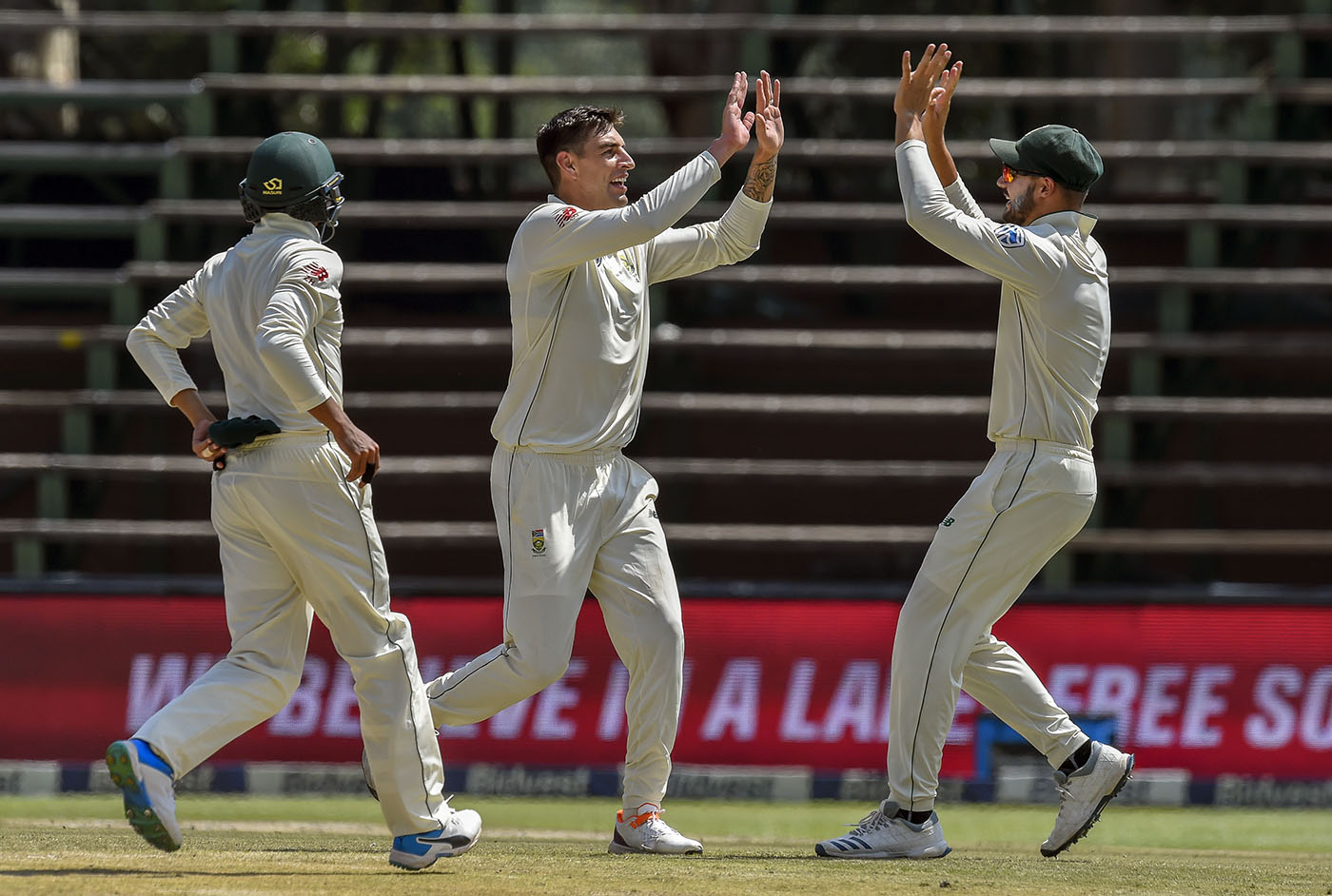 South Africa down Pakistan for 273 to seal 107-run victory and 3-0 whitewash