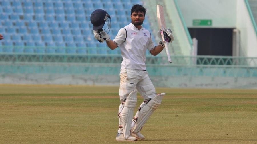 Rinku Singh celebrates his hundred