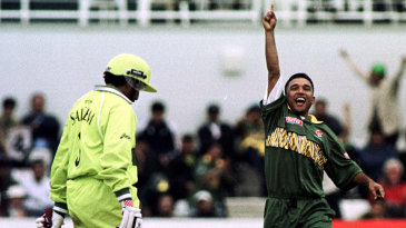 Khaled Mahmud's dibbly-dobbly seamers did much damage on the big day