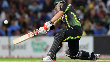 Is he batting right-handed? A David Warner switch hit from a T20I in 2012