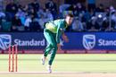 Duanne Olivier bowls on ODI debut, South Africa v Pakistan, 1st ODI, Port Elizabeth