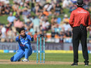 Pretty please? Kuldeep Yadav asks the umpire to think hard about the decision, New Zealand v India, 1st ODI, Napier, 23 January, 2019