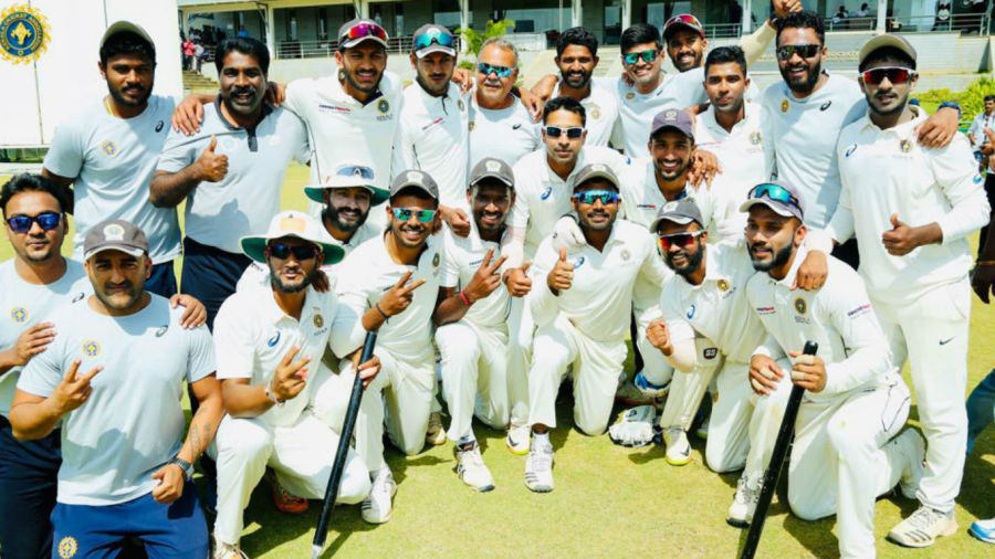 The victorious Kerala team after entering their first-ever Ranji Trophy semi-final