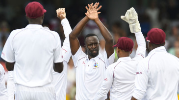 Kemar Roach claimed 5 for 4 in 27 balls