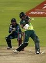 Reeza Hendricks nails a pull, South Africa v Pakistan, 3rd ODI, Centurion, January 25, 2019