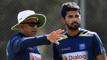 Chandika Hathurusingha chats with Dinesh Chandimal