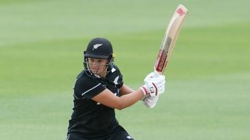 Suzie Bates hit a quick half-century