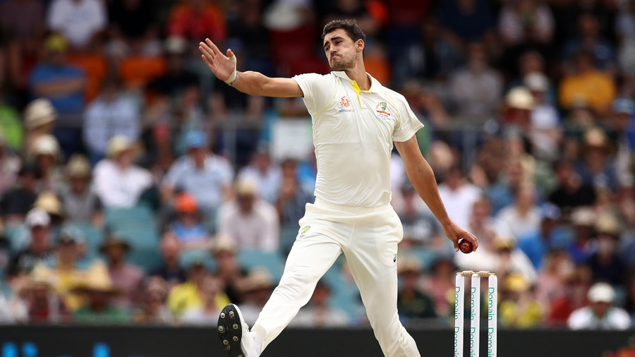 Mitchell Starc in his delivery stride
